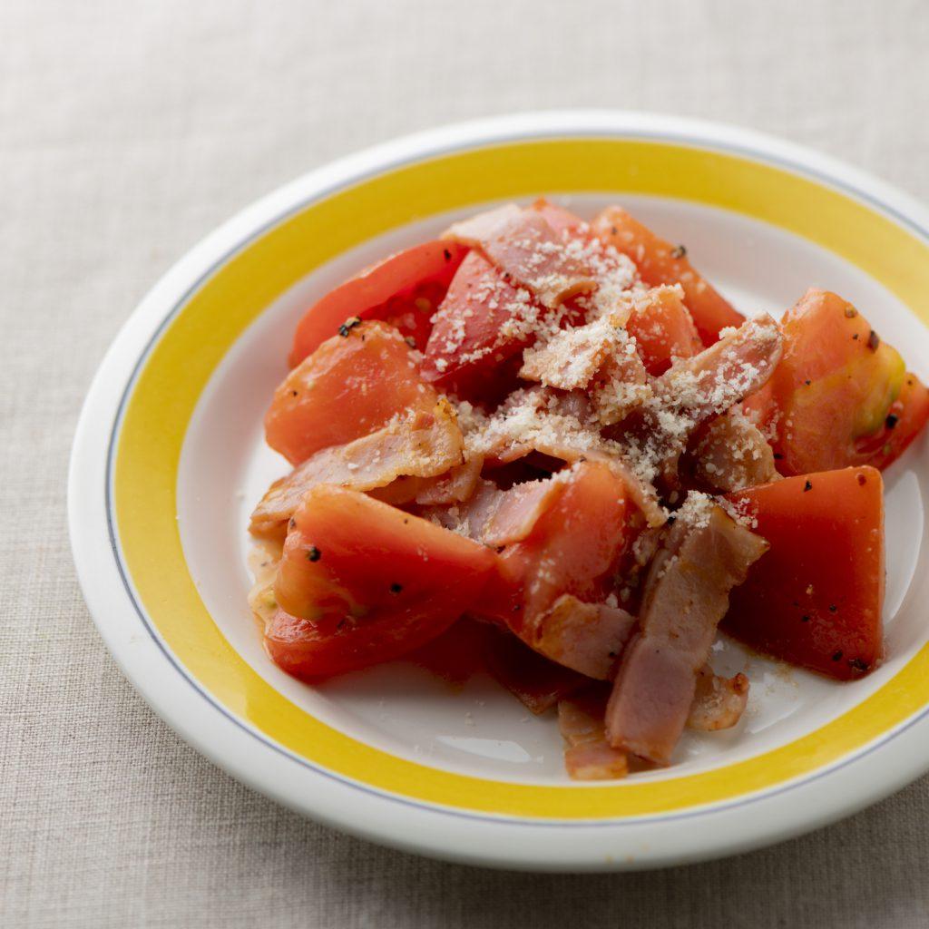 トマトとベーコンのチーズ炒め