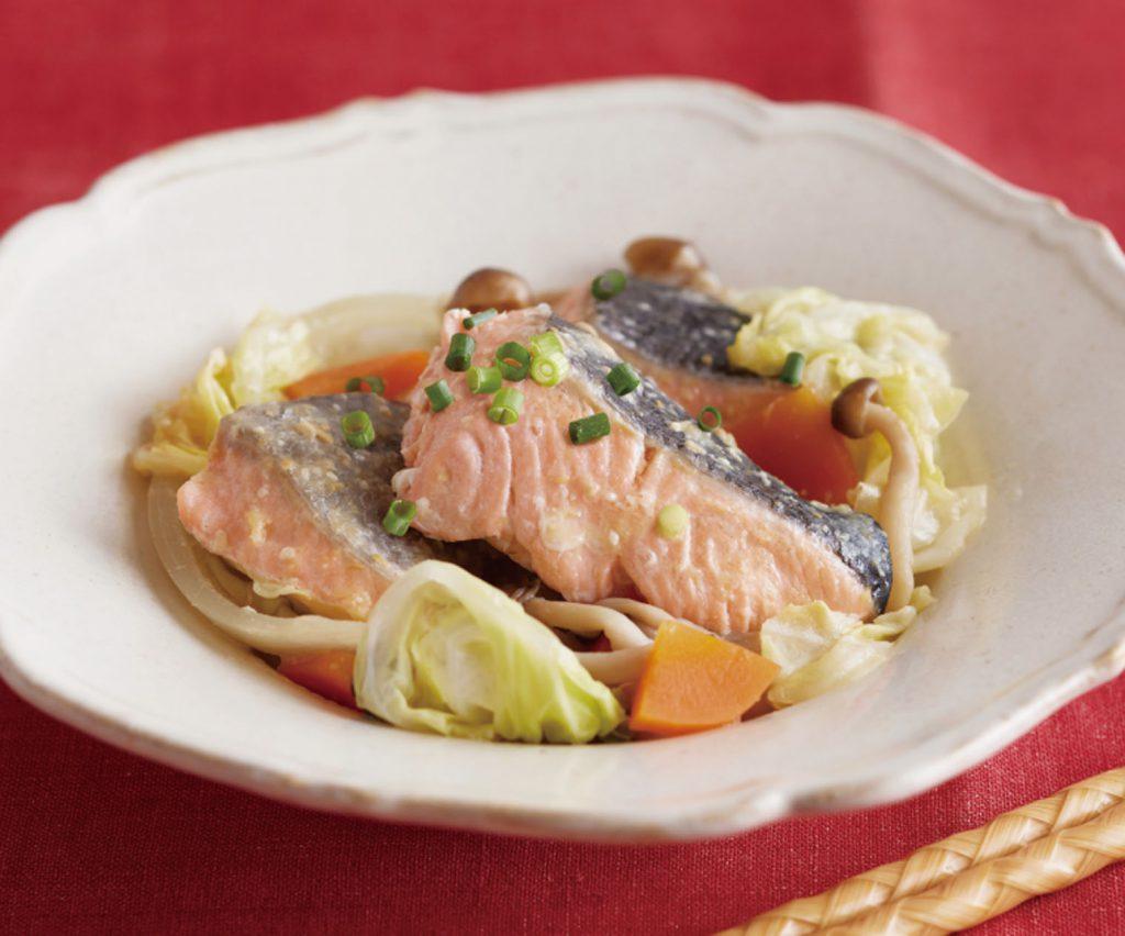 鮭と野菜の味噌蒸し